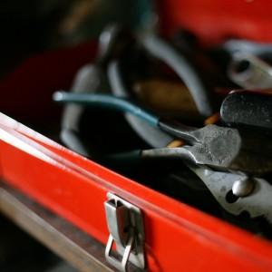 tools-toolbox-basement-2028410-h[1]